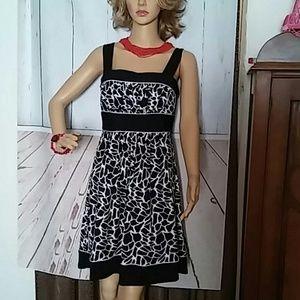 Love Tease Dress sz 9 Black White